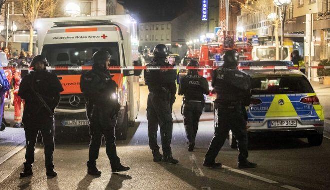 Αστυνομία στο σημείο των επιθέσεων.