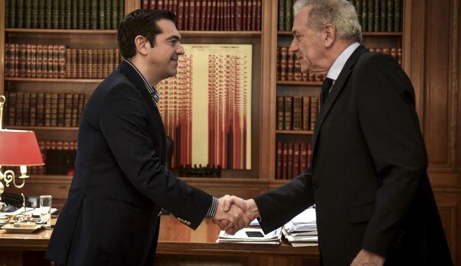 Με τον Επίτροπο Μετανάστευσης, Εσωτερικών Υποθέσεων και Ιθαγένειας της Ε.Ε,  Δημήτρη Αβραμόπουλο, συναντήθηκε την Παρασκευή 30 Μαρτίου 2018 ο πρωθυπουργός Αλέξης Τσίπρας