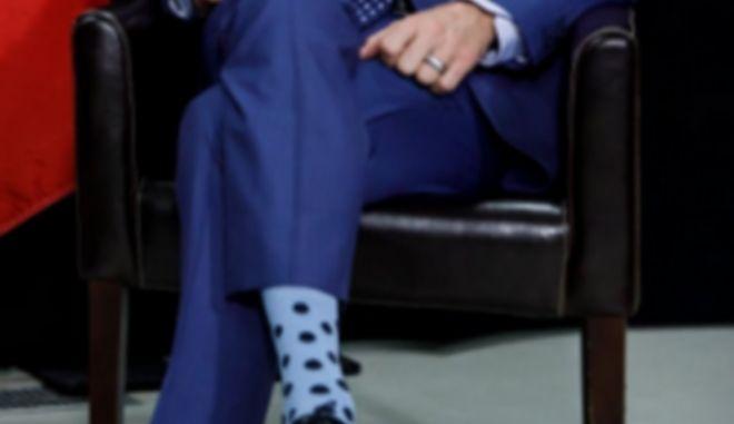 Ποιος πρωθυπουργός ξεχώρισε για τις κάλτσες του στο Ντάβος
