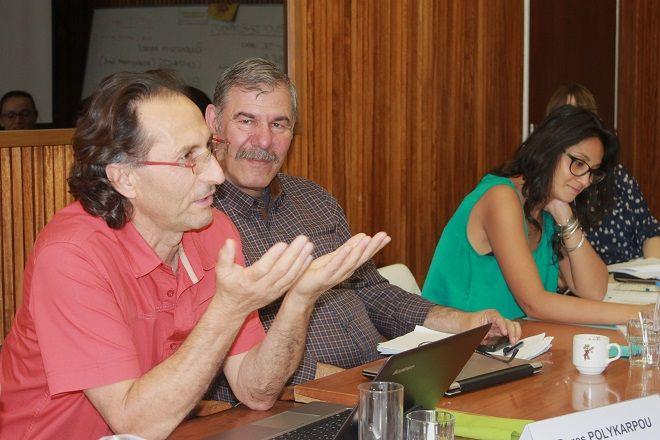 Ο εκτελεστικός διευθυντής της Κίνησης για Ισότητα, Στήριξη και Αντιρατσισμό Κύπρου κ.Δώρος Πολυκάρπου σε ομιλία του