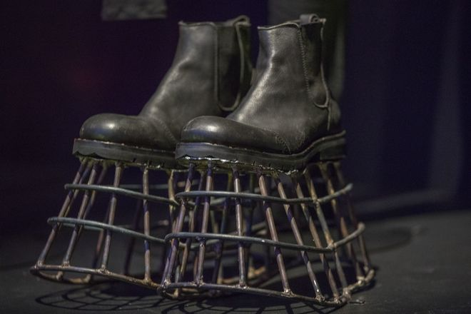 Cage shoes worn in the