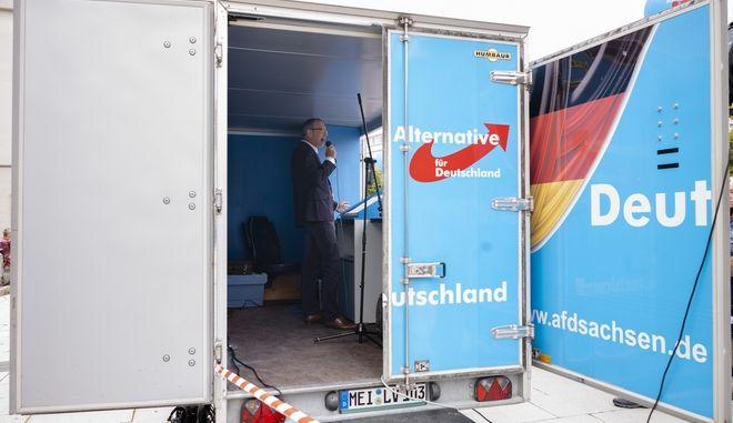 Υποψήφιος του AfD στην πόλη Μπάουτσεν της Σαξονίας κατά την προεκλογική περίοδο