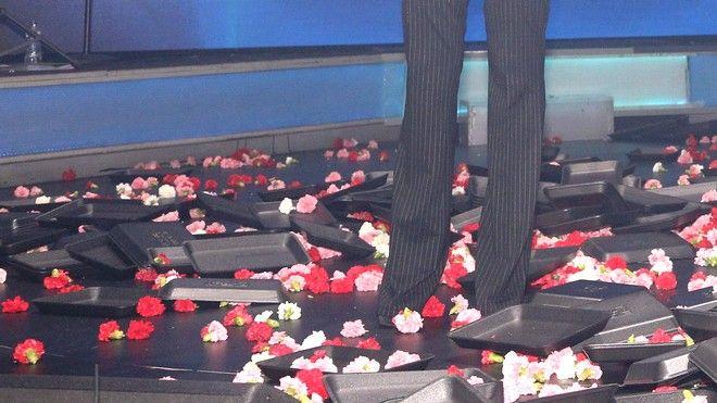Λουλούδια στα μπουζούκια
