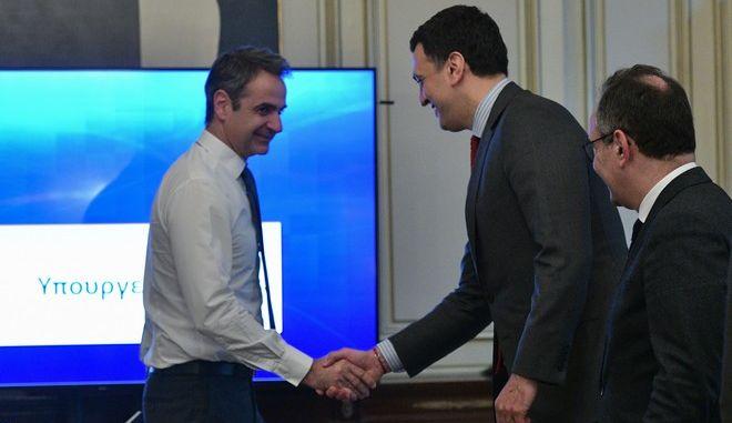Ο Πρωθυπουργός Κυριάκος Μητσοτάκης με τον Υπουργό Υγείας Βασίλη Κικίλια