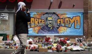 Γκραφίτι στο σημείο της δολοφονίας του Τζορτζ Φλόιντ
