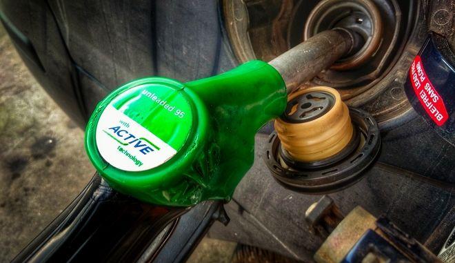 Αντλία βενζίνης σε αυτοκίνητο