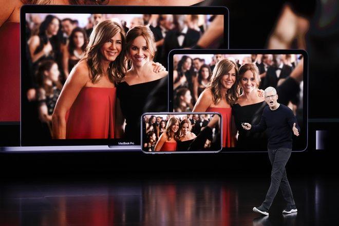 Ο CEO της Apple Tim Cook ανακοινώνει τα νέα προϊόντα