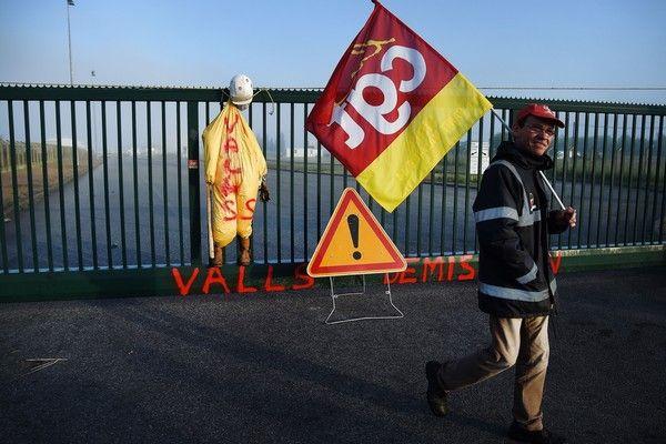 Γαλλία: Υπό την απειλή των απεργιών, 12 ημέρες πριν από το Euro 2016