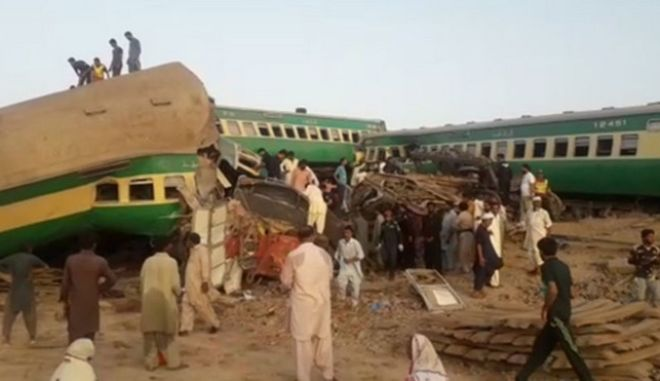 Πακιστάν: Σύγκρουση τρένων με τουλάχιστον 36 νεκρούς