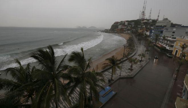Ο τυφώνας Ουίλα απειλεί το Μεξικό