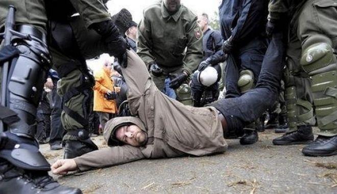 Συνεχίζονται οι ταραχές στο Αμβούργο