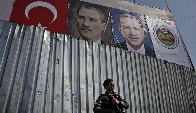 """""""Μπλόκο"""" της Τουρκίας σε Ευρωπαίους βουλευτές"""