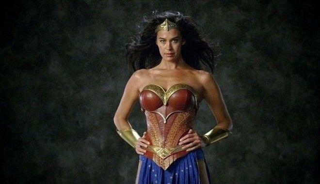 Η Μέγκαν Γκέιλ ως Wonder Woman