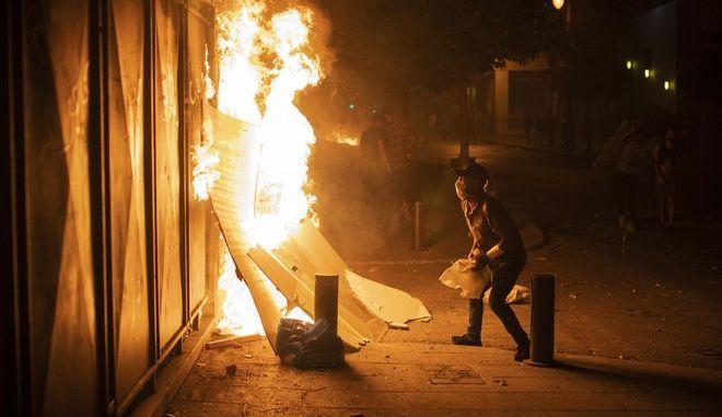 Βηρυτός: Επεισόδια και δακρυγόνα κατά εξοργισμένων διαδηλωτών
