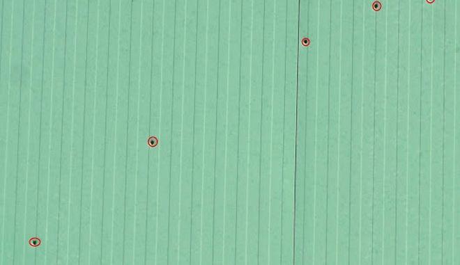 """Περίεργη υπόθεση στην Κίσαμο: """"Γάζωσαν"""" αποθήκη επιχείρησης με 12 σφαίρες"""