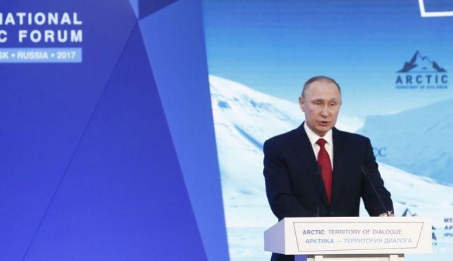 Έτοιμος να συναντήσει τον Τραμπ δηλώνει ο Πούτιν