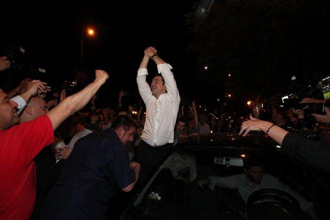 ΑΘΗΝΑ-Ο ΠΡΟΕΔΡΟΣ ΤΟΥ ΣΥΡΙΖΑ  Α. ΤΣΙΠΡΑΣ ΣΤΟ ΕΚΛΟΓΙΚΟ ΚΕΝΤΡΟ ΤΟΥ ΣΥΡΙΖΑ ΣΤΑ ΠΡΟΠΥΛΑΙΑ.(EUROKINISSI-ΓΕΩΡΓΙΑ ΠΑΝΑΓΟΠΟΥΛΟΥ)