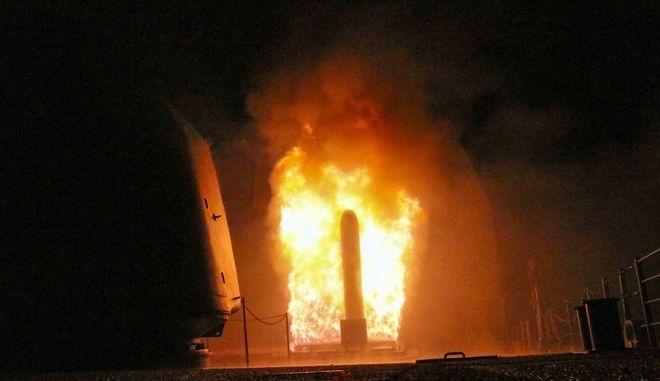 Εκτόξευση πυραύλου Tomahawk από το Πολεμικό Ναυτικό των ΗΠΑ