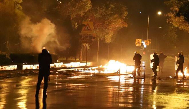 Επεισόδια στην πορεία για την 44η επέτειο του Πολυτεχνείου στην Θεσσαλονίκη. Παρασκευή 17 Νοέμβρη 2017. (ΜΟΤΙΟΝ ΤΕΑΜ/ΦΑΝΗ ΤΡΥΨΑΝΗ)