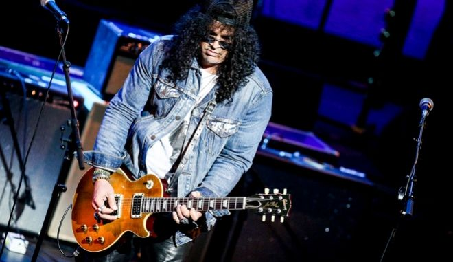 Slash performs at Icon: The Life And Legacy Of B.B. King at the Wallis Annenberg Center for the Performing Arts on Thursday, Sept. 1, 2016, in Beverly Hills, Calif. (Photo by Rich Fury/Invision/AP)