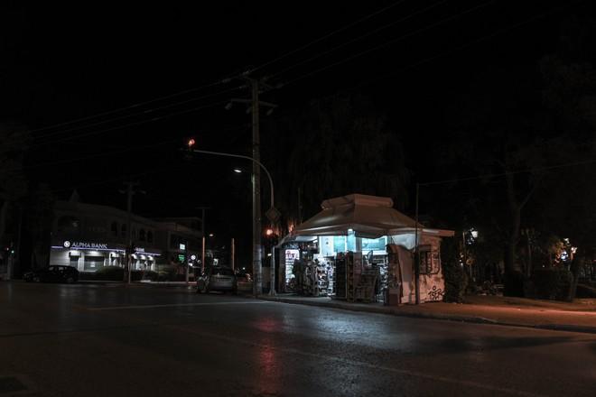 Πρώτη ημέρα απαγόρευσης κυκλοφορίας από τις 21.00 στην Αθήνα