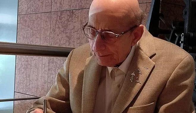 Μάνος Ελευθερίου: Παρέδωσε το κύκνειο άσμα του λίγο πριν τον θάνατό του