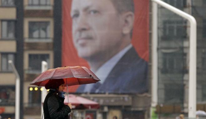 Κρίσιμο ραντεβού Ερντογάν-Γιούνκερ στη Βουλγαρία
