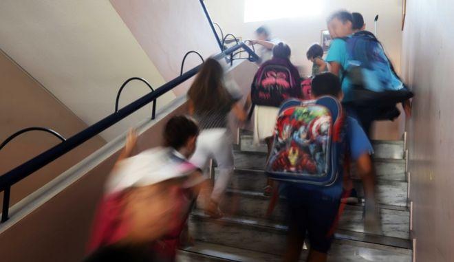 Αύξηση ωραρίου εκπαιδευτικών και αξιολόγηση απαιτούν οι δανειστές