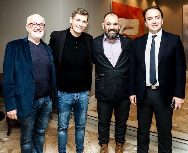 Από αριστερά: Γιάννης Κωτσιόπουλος, Αργυρός Ολυμπιονίκης & Παγκόσμιος Πρωταθλητής Κολύμβησης Σπύρος Γιαννιώτης, Ομοσπονδιακός Τεχνικός Κολύμβησης Νίκος Γέμελος, Δήμαρχος Ιστιαίας-Αιδηψού Ιωάννης Κοντζιάς