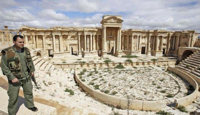 Συρία:Οι δυνάμεις του Άσαντ ανακατέλαβαν την Παλμύρα