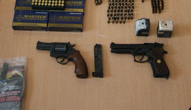 Ρόδος: Συνελήφθη ξενοδόχος για διακίνηση όπλων