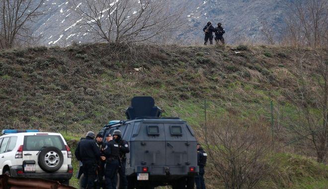 Ειδικές αστυνομικές δυνάμεις του Κοσόβου στη Μιτρόβιτσα