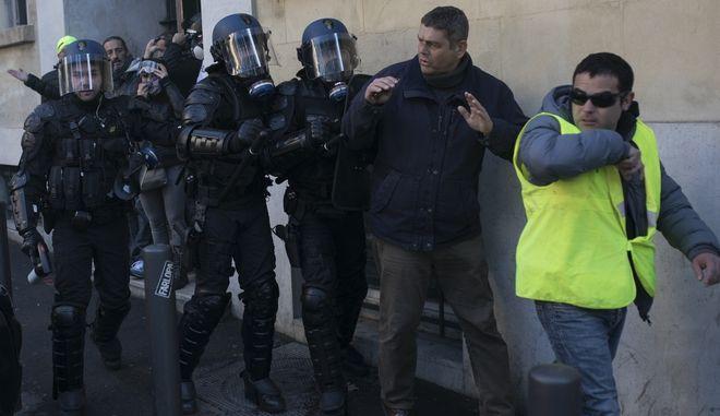 """Διαμαρτυρία των """"Κίτρινων Γιλέκων"""""""