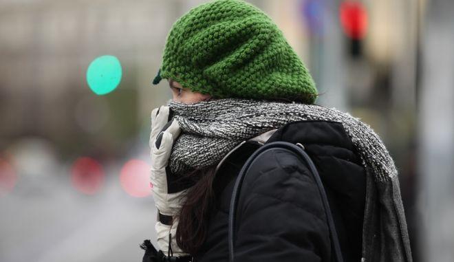 Παγωνιά στο κέντρο της Αθήνας, το πρωΐ της Παρασκευής 30 Δεκεμβρίου 2016. Τα έντονα καιρικά φαινόμενα βρίσκονται σε ύφεση, αν και συνεχίζονται οι χαμηλές θερμοκρασίες, ενώ ουσιαστική βελτίωση του καιρού αναμένεται από την Πρωτοχρονιά, σύμμφωνα με τους μετεωρολόγους. (EUROKINISSI/ΓΙΑΝΝΗΣ ΠΑΝΑΓΟΠΟΥΛΟΣ)