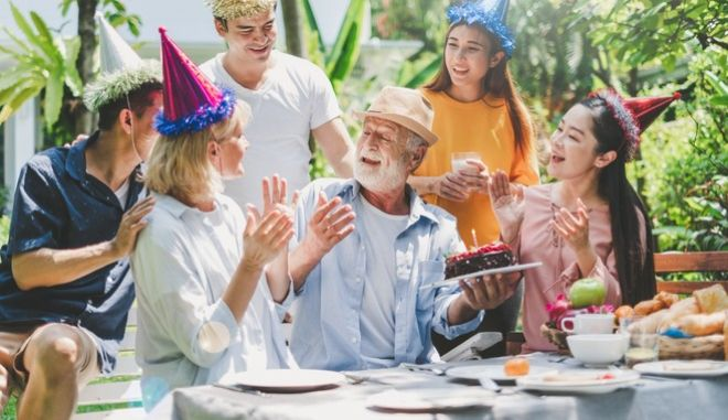 """Happy Birthday To You"": Το τραγούδι των γενεθλίων έχει... γενέθλια - Από πού προέρχεται"