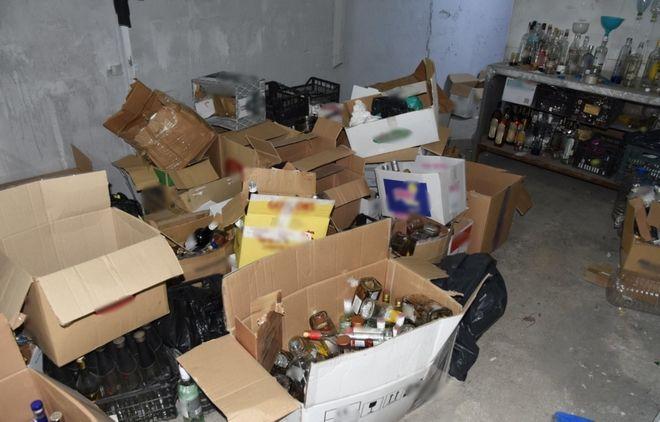 Το παράνομο εργαστήριο παρασκευής και εμφιάλωσης ποτών