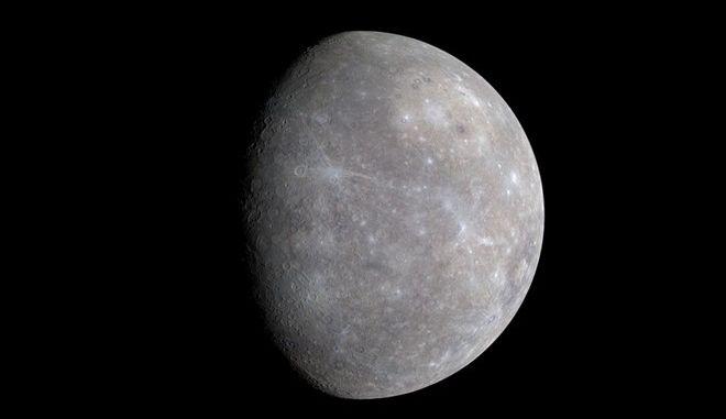 Στερεό μεταλλικό πυρήνα ίδιου σχεδόν μεγέθους με αυτόν της Γης έχει ο πλανήτης Ερμής