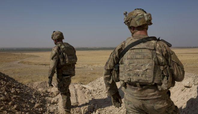 """Στρατιώτες στην """"ασφαλή ζώνη"""" Συρίας-Τουρκίας"""
