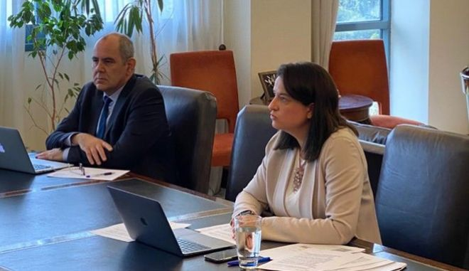 Το νέο νομοσχέδιο του Υπουργείου Παιδείας και Θρησκευμάτων παρουσιάστηκε σήμερα μέσω τηλεδιάσκεψης από την Υπουργό, κα Νίκη Κεραμέως, καθώς και από τους Υφυπουργούς, κ.κ. Σοφία Ζαχαράκη και Βασίλη Διγαλάκη