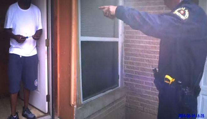 Βίντεο σοκ: Αστυνομικοί εκτελούν ψυχικά ασθενή και αναρωτιούνται αν θα του περάσουν χειροπέδες