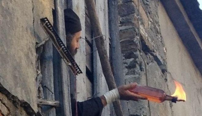 Κάθειρξη 20 ετών στους μοναχούς με τις μολότοφ