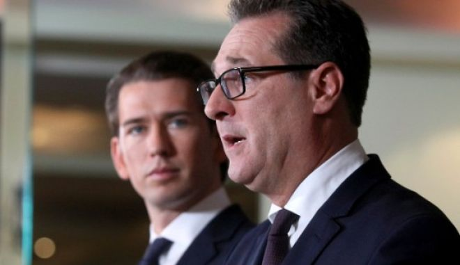 Ο καγκελάριος της Αυστρίας, Σεμπάστιαν Κουρτς με τον κυβερνητικό του εταίρο Χάινζ Κρίστιαν Στράσε