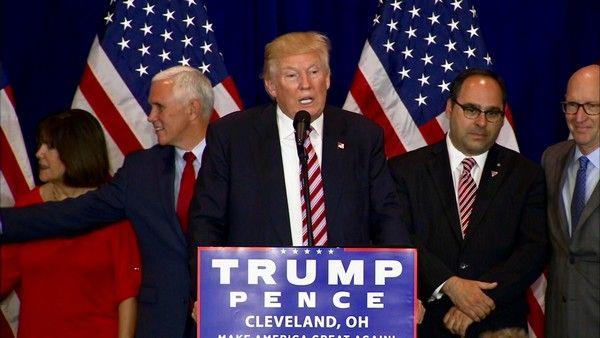 Αμερικανικές εκλογές: Αντίστροφη μέτρηση για Κλίντον - Τραμπ