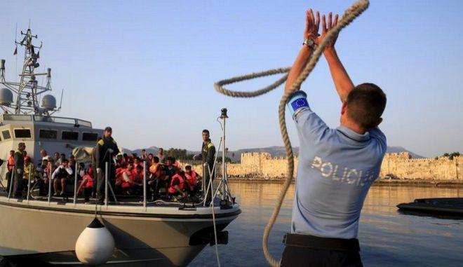 Γαλλία και Γερμανία στέλνουν ενισχύσεις στην Ελλάδα για το προσφυγικό