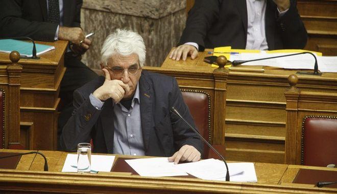 """Συνέχιση της συζήτησης και ψήφιση του σχεδίου νόμου του Υπουργείου Παιδείας, Έρευνας και Θρησκευμάτων """"Ελληνικό Ίδρυμα Έρευνας και Καινοτομίας και άλλες διατάξεις"""" στην Ολομέλεια της Βουλής την Τρίτη 18 Οκτωβρίου 2016. (EUROKINISSI/ΓΙΩΡΓΟΣ ΚΟΝΤΑΡΙΝΗΣ)"""