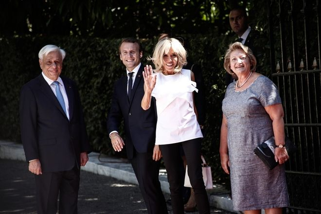 Official reception of the President of France Emmanuel Macron, at the Presidential Mansion in Athens, Greece, on September 7, 2017 /      ,     ,  , ,  7 , 2017