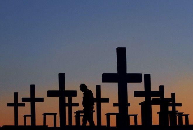 Τάφοι των Ελληνοκύπριων πεσόντων στον Τύμβο της Μακεδονίτισσας, στη Λευκωσία