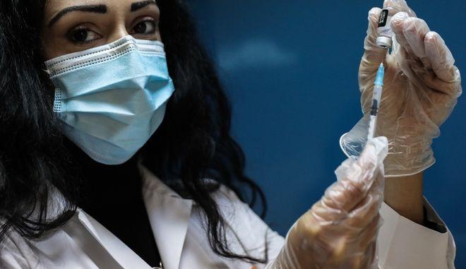 Εμβολιασμός κατά του κορονοϊού στην Ελλάδα
