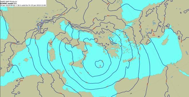 Προγνωστικός χάρτης επιφανείας με την θέση του βαρομετρικού χαμηλού στο Νότιο Ιόνιο το μεσημέρι της Παρασκευής 25/1/1019