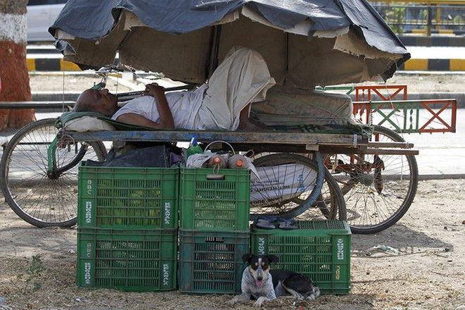 Ινδία: Στους 1.786 οι νεκροί από τον καύσωνα